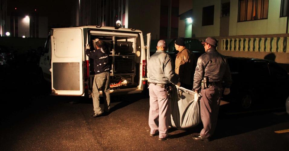 23.jul.2013 - Édson de Carvalho Condé, 42, confessou nesta terça-feira, segundo a polícia, ter estrangulado a mãe de 72 anos e colocado seu corpo em uma geladeira no apartamento onde moravam, no bairro Cidade Satélite Santa Bárbara, zona leste de São Paulo. Segundo a polícia, ele é esquizofrênico