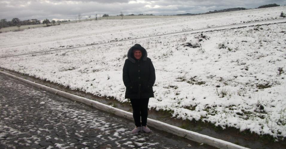 24.jul.2013 - A internauta Claudia Frederico Lisczkoski enviou fotos da neve em Major Vieira (SC)