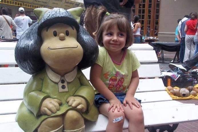 25.jul.2013 - Um concurso promovido pela página oficial do Facebook dedicada à Mafalda, a pequena personagem engajada com questões sociais criada pelo cartunista argentino Quino, reuniu cerca de cem fotos