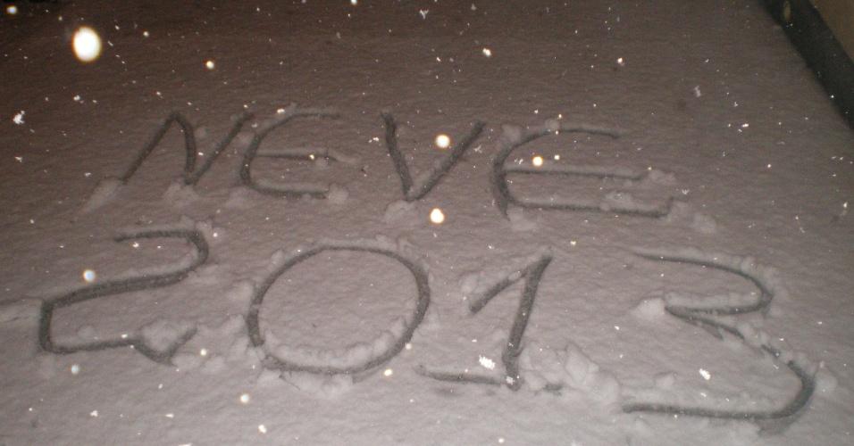 26.jul.2013 - O internauta Luiz C Rocha mostra a neve na cidade de Canoinhas (SC) em 22 de julho