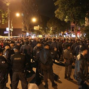 Durante a visita do papa, os PMs acompanharam protestos contra os gastos com a Jornada Mundial da Juventude - Julio Cesar Guimarães/UOL