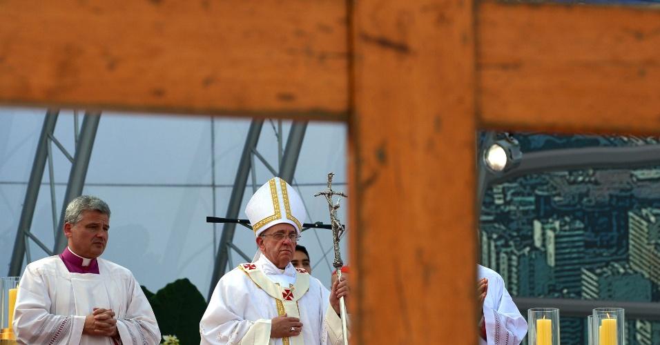 28.jul.2013 - Papa Francisco celebra missa de encerramento da JMJ (Jornada Mundial da Juventude), na praia de Copacabana, no Rio de Janeiro