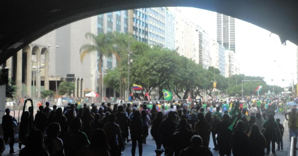 29.jul.2013 - A internauta Ana Ursulino enviou foto da saída dos peregrinos depois da missa de encerramento da Jornada Mundial da Juventude, que aconteceu nesse domingo (28), na praia de Copacabana, na zona sul do Rio de Janeiro