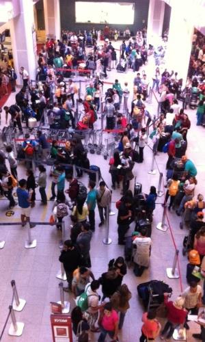 29.jul.2013 - Movimentação de peregrinos da JMJ (Jornada Mundial da Juventude) no aeroporto Santos Dumont, no Rio de Janeiro, nesta segunda-feira (29), dia seguinte ao fim do evento católico