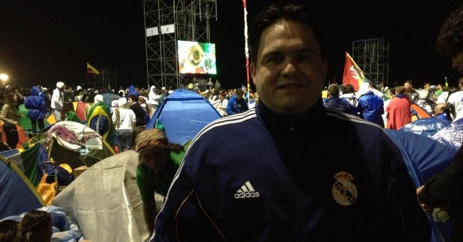 29.jul.2013 - O internauta Daniel Córdoba veio da Espanha para participar da Jornada Mundial da Juventude. A foto foi tirada durante a Vigília da Oração, que aconteceu nesse sábado (27) na praia de Copacabana, na zona sul do Rio de Janeiro