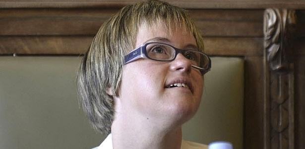 Primeira vereadora espanhola com síndrome de Down, Ángela Bachiller toma posse nesta segunda-feira na cidade de Valladolid, Espanha
