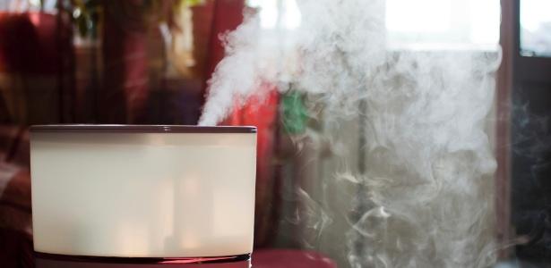 O umidificador não é o grande vilão, mas a umidade que pode existir dentro dos quartos, aliada à poeira