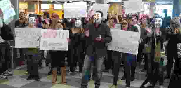 30.jul.13 - manifestação pacífica no aeroporto de Congonhas, em São Paulo, contra demissões na TAM - Sandra Tacla/Sindicato Nacional dos Aeronautas (SNA)