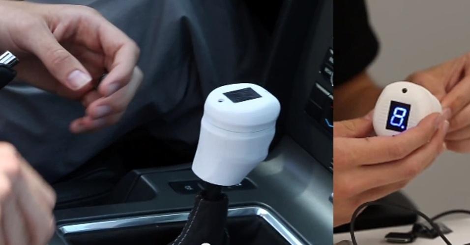 2.ago.2013 - Com ajuda de uma impressora 3D, Zach Nelson, engenheiro da Ford, criou um câmbio ''inteligente'' para carros. Além do formato anatômico, o dispositivo se conecta a tablets Android para enviar informações sobre o modo de dirigir do motorista. Ele também vibra (ele usa o mesmo sensor que os controles do Xbox 360) indicando a hora certa de trocar de marcha. Por enquanto, não há previsão que o câmbio inteligente chegue nos carros da Ford -- ele foi testado em um  Mustang