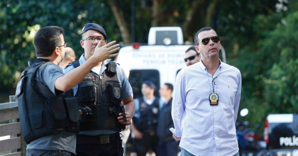 2.ago.2013 - Polícia Civil faz perícia na favela da Rocinha, na zona sul do Rio de Janeiro, nesta sexta-feira (2), para investigar o desaparecimento do pedreiro Amarildo de Souza, desaparecido desde 14 de julho
