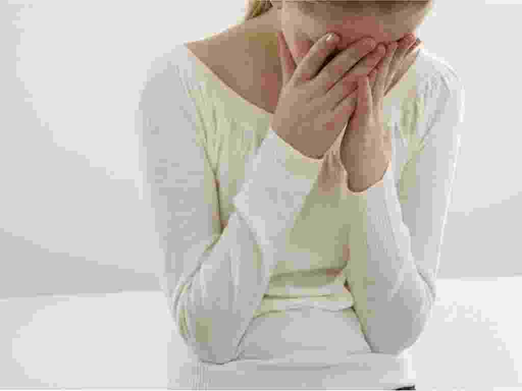 violência, abuso sexual, mulher, depressão, jovem, família, pais, pedofilia, estupro, dor, violação, tristeza, - Shutterstock