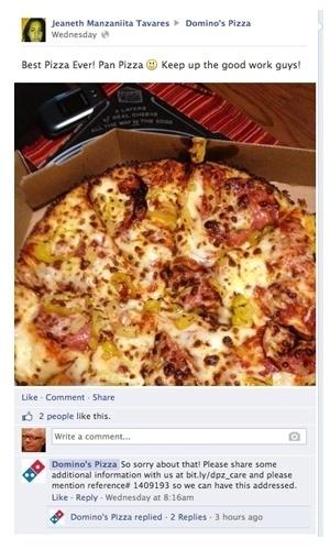 """13.ago.2013 - O perfil no Facebook da rede de pizzaria Domino's se complicou ao responder uma menção na rede social de Jeaneth Manzaniita Tavares. Ela publicou na página da rede de fast food uma foto e a seguinte mensagem em inglês (imagem à direita): """"Melhor pizza! Continuem fazendo este bom trabalho"""". Em seguida, foi postado um pedido de desculpas pelo administrador do perfil, sugerindo a cliente que entre em contato e informe um código para eles resolverem o problema (mas que problema se era um elogio?)"""