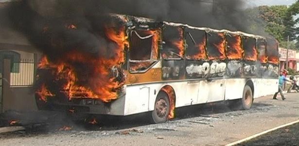 Ônibus escolar explode e mata criança no interior de Goiás  - Ricardo Manciolli/Reprodução Facebook