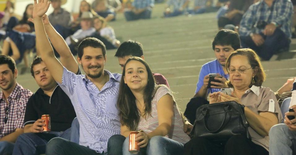 17.ago.2013 - Paulistas e turistas vão à Festa do Peão de Barretos, no interior de São Paulo  segundo dia do evento --considerado o maior rodeio da América Latina