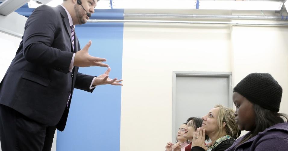 Alunos assistem à aula Gabaritando Ética no curso Damásio, em São Paulo, três dias antes do 11º Exame da Ordem, prova necessária para que os bacharéis em direito possam advogar