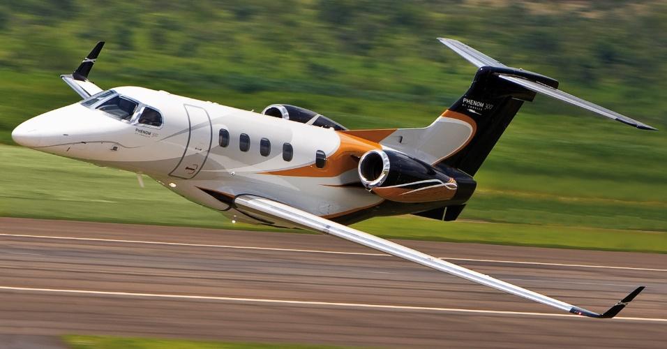 Partindo de São Paulo, o Phenom 300, da Embraer, consegue chegar a qualquer ponto da América do Sul sem reabastecer,
