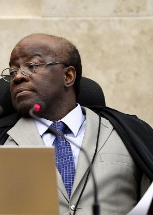 O presidente do STF, ministro Joaquim Barbosa, defende salário de R$ 30.658 a seus pares - Pedro Ladeira/Folhapress