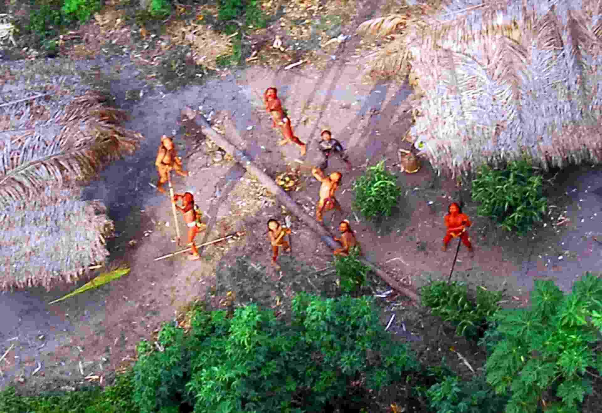 23.ago.2013 - tribos isoladas - Geison miranda/Funai/AFP
