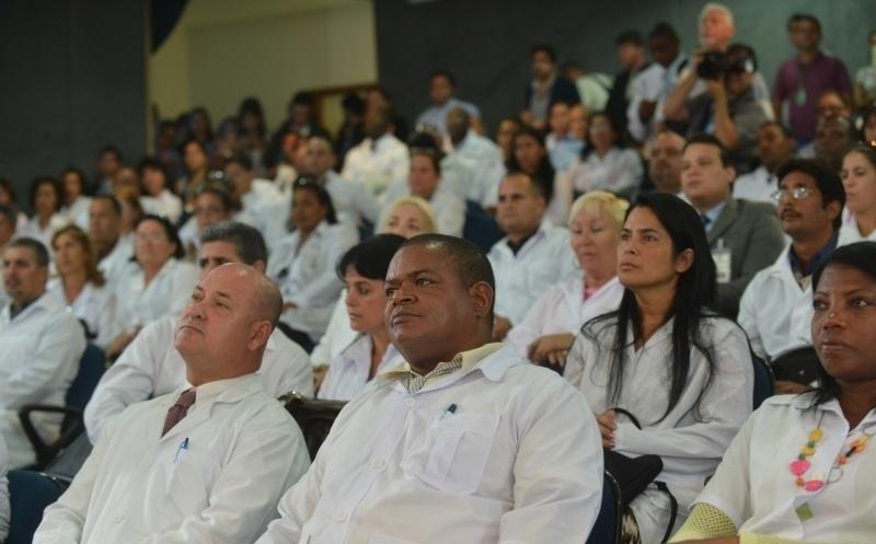26.ago.2013 - Médicos cubanos participam, nesta segunda-feira (26), do módulo de acolhimento e avaliação dos profissionais inscritos no Mais Médicos, com aulas sobre saúde pública brasileira e língua portuguesa