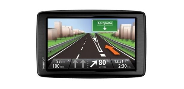 GPS TomTom com tela de 6 polegadas recalcula rotas instantaneamente