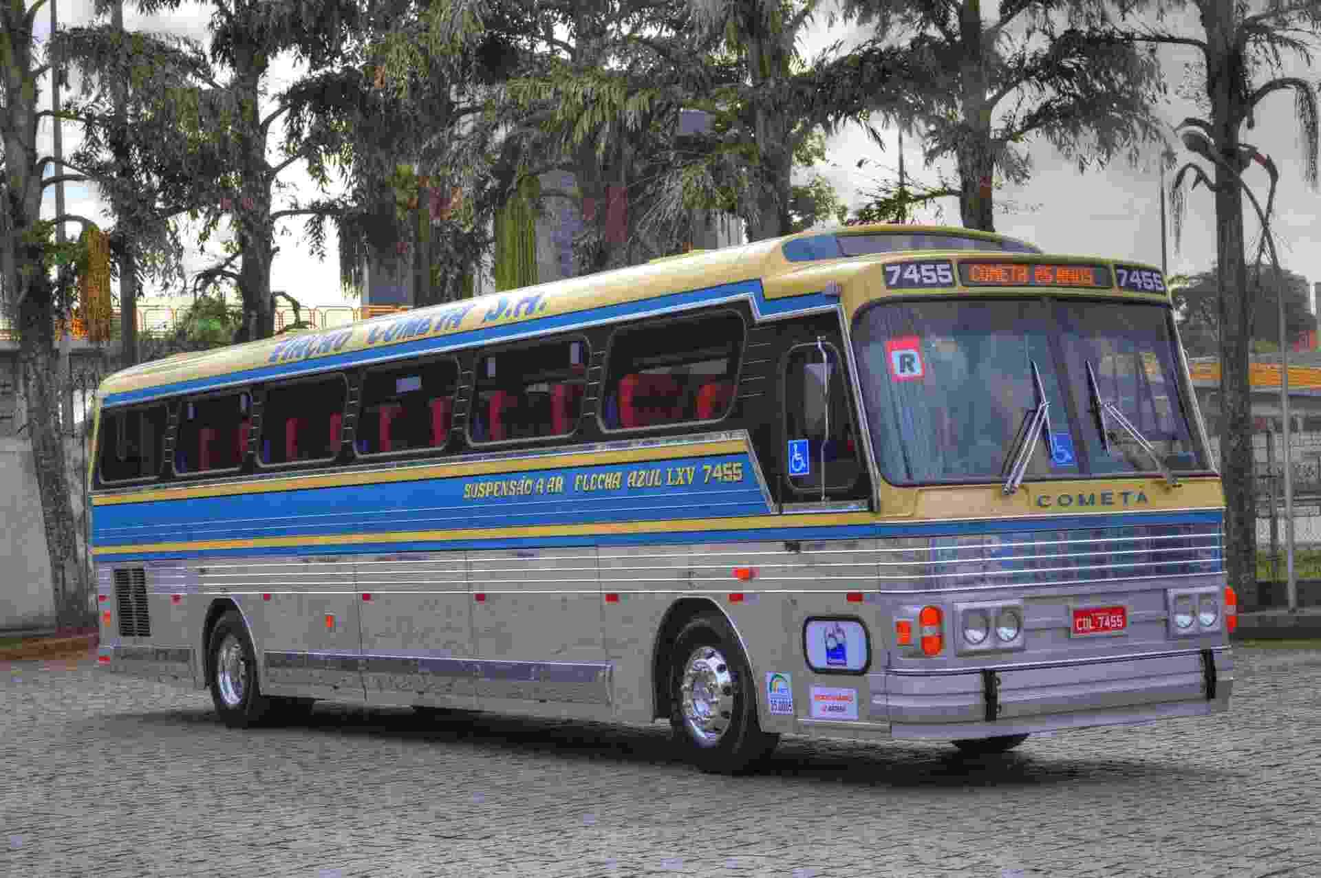 Ônibus da Viação Cometa que vai circular pelo Brasil em comemoração aos 65 anos da empresa - Divulgação
