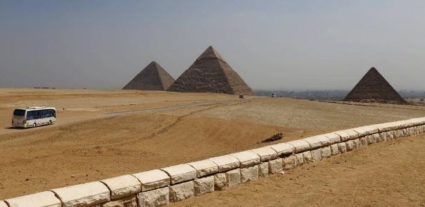Especialistas descobrem tumba da época faraônica nos arredores do Cairo