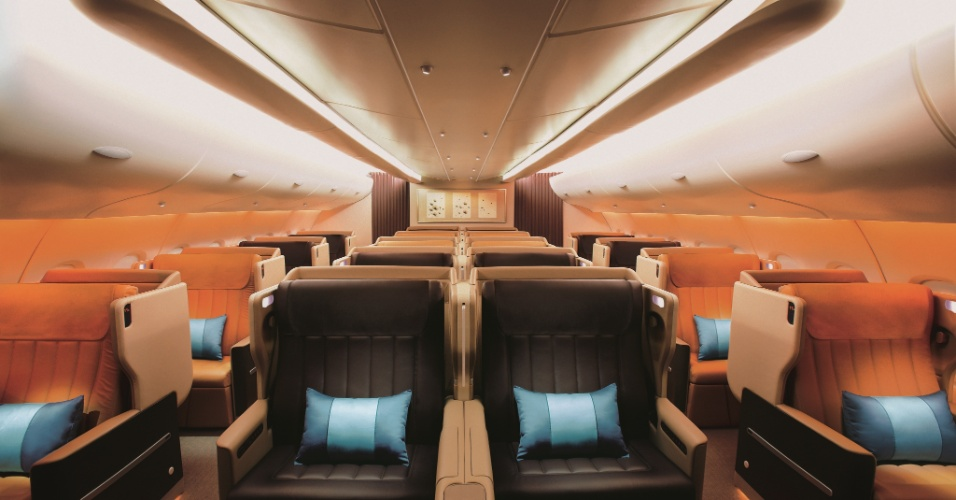 Aspecto da classe executiva de avião da Singapore Airlines