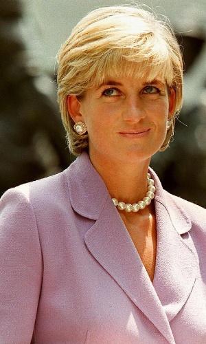 30.ago.2013 - Há 16 anos, o mundo perdia uma de suas figuras mais queridas e populares: a princesa Diana, conhecida como Lady Di. Ela morreu no dia 31 de agosto de 1997 após um acidente de carro em um túnel na cidade de Paris, França