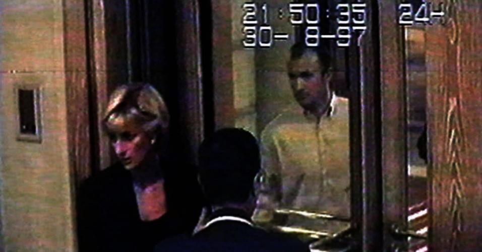 30.ago.2013 - Em 2011, o ator britânico Keith Allen lançou o documentário ?Unlawful Killing?, patrocinado pelo pai de Dodi, Mohamed al-Fayed