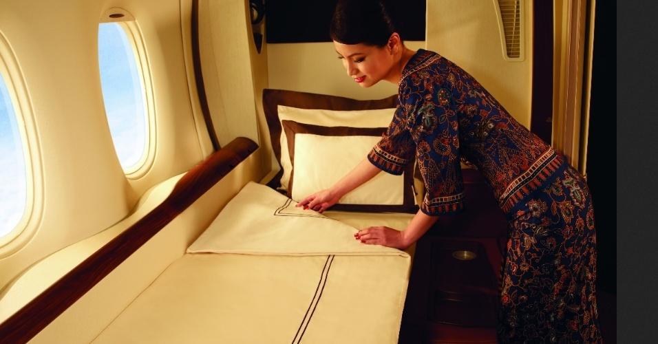 A Singapore Airlines oferece, em seus aviões, suítes para os passageiros que quiserem viajar com maior privacidade