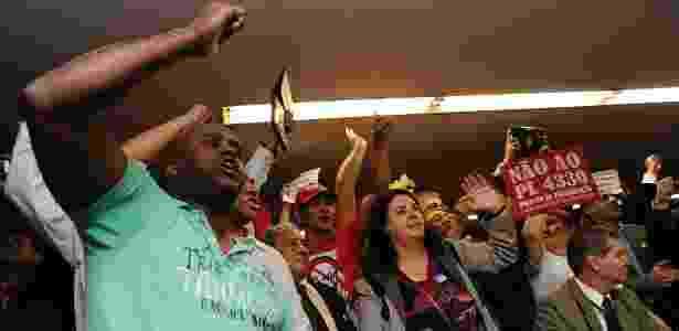 Manifestantes da CUT (Central Única dos Trabalhadores) protestam na Câmara dos Deputados - Laycer Tomaz/Câmara dos Deputados