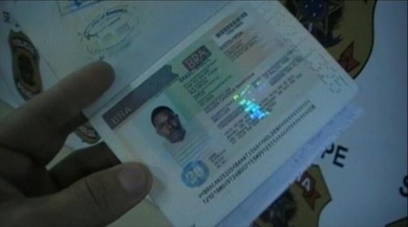 4.set.2013 - O tanzaniano Holden Canisius Bahatisha, 33, foi levado para um hospital, após passar mal em um voo da TAP que fazia o trajeto São Paulo-Lisboa e fez um pouso de emergência