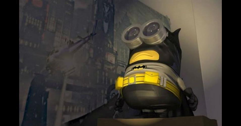 Na imagem, o Minion 'imitando' o Batman. Os Minions, da franquia de filmes 'Meu Malvado Favorito', ganharam dezenas de versões diferentes nas mãos dos usuários