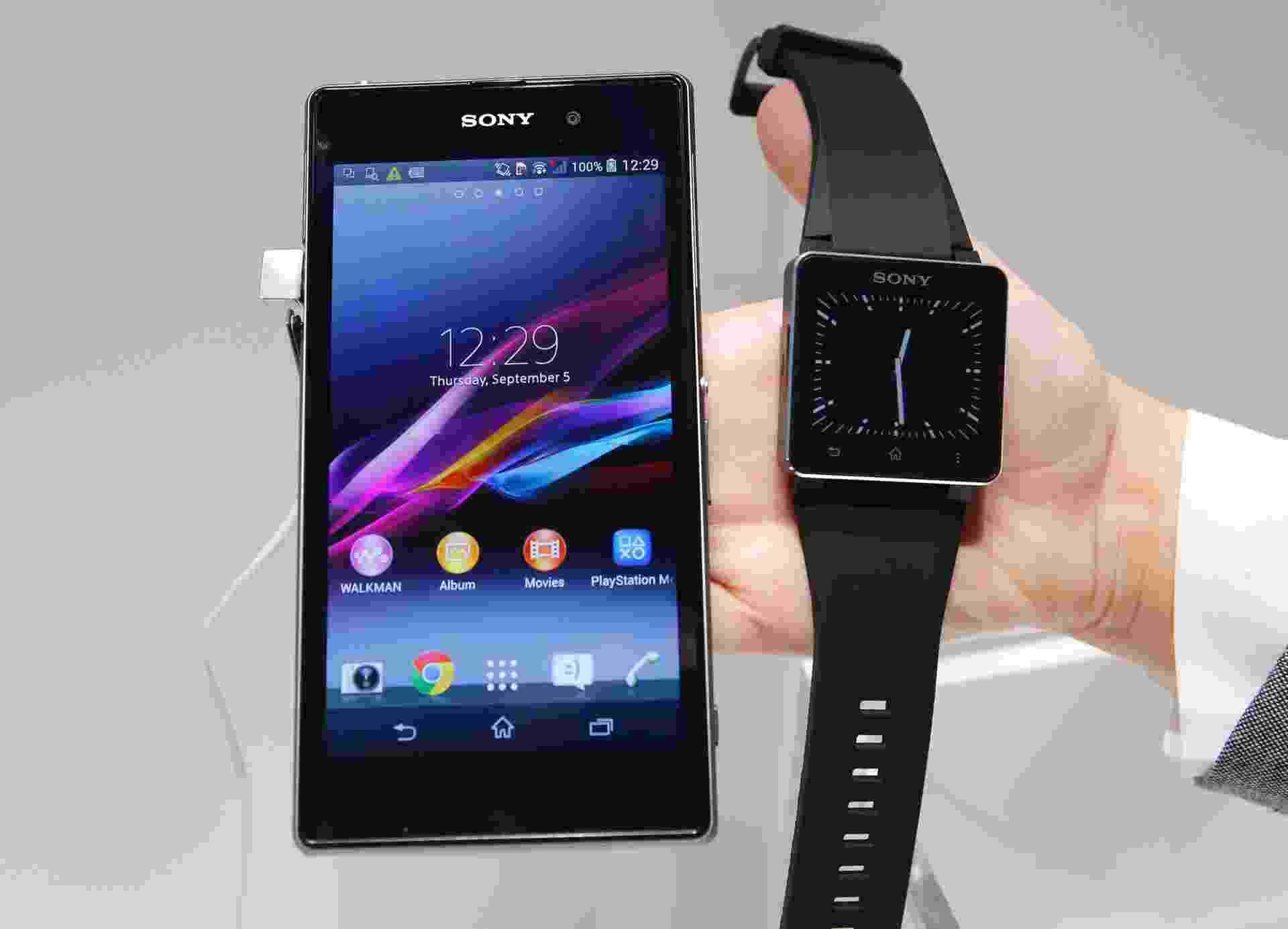 7e0f762e895 Relógios inteligentes só passam de ano com   cola   do celular - 11 ...