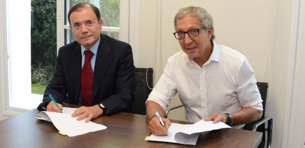 Jean-Charles Naouri (esquerda), presidente do Conselho do Casino, e Abilio Diniz (direita) - Divulgação