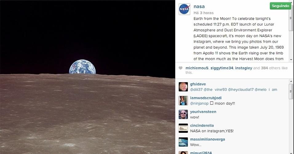 6.set.2013 - Para comemorar o lançamento da sonda Ladee (sigla em inglês para Explorador do Ambiente de Poeira e Atmosfera Lunar), a Nasa (Agência Espacial Norte-Americana) estreou na manhã desta sexta-feira (6) sua conta no Instagram com uma foto da Terra feita a partir da Lua pela tripulação da Apollo 11, no histórico dia 20 de julho de 1969. A nova missão da Nasa está prevista para ser lançada na base de Voo Wallops, na Virgínia (EUA), às 23h27, que corresponde à 0h27 de sábado (7) no fuso horário de Brasília
