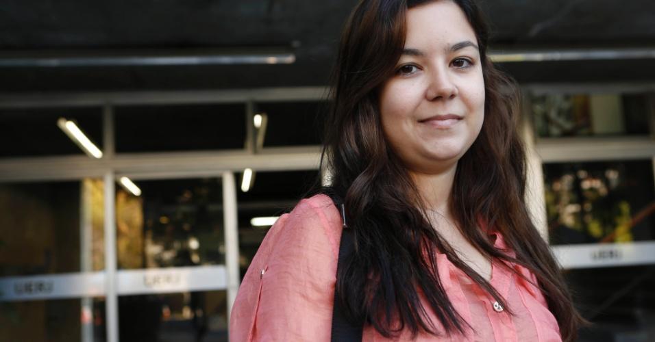 8.set.2013 - Nathália Curvelo, 25, diz que não teve dificuldades para realizar a prova do vestibular 2014 da Uerj neste domingo