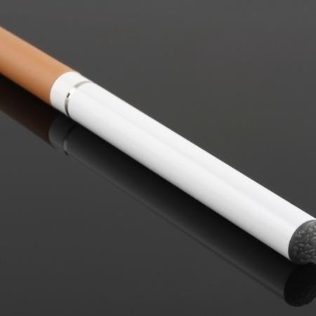 Cigarro eletrônico - Thinkstock