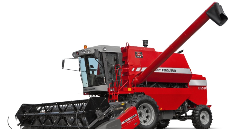 A colheitadeira MF32SR, da Massey Ferguson pode colher todos os tipos de grãos menos o feijão, que é colhido manualmente