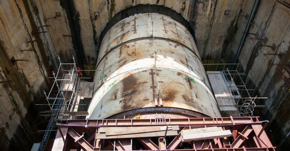 11.set.2013 - Um shield, ou megatatuzão, começou a cavar um dos túneis do novo trecho da Linha 5-Lilás do Metrô de São Paulo, nesta quarta-feira (11), que vai do Largo Treze até a Chácara Klabin. O escavação foi acompanhada pelo governador de São Paulo, Geraldo Alckmin