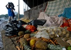 1 em cada 3 alimentos é desperdiçado no mundo; prejuízo chega a US$ 750 bi - Apu Gomes/Folhapress