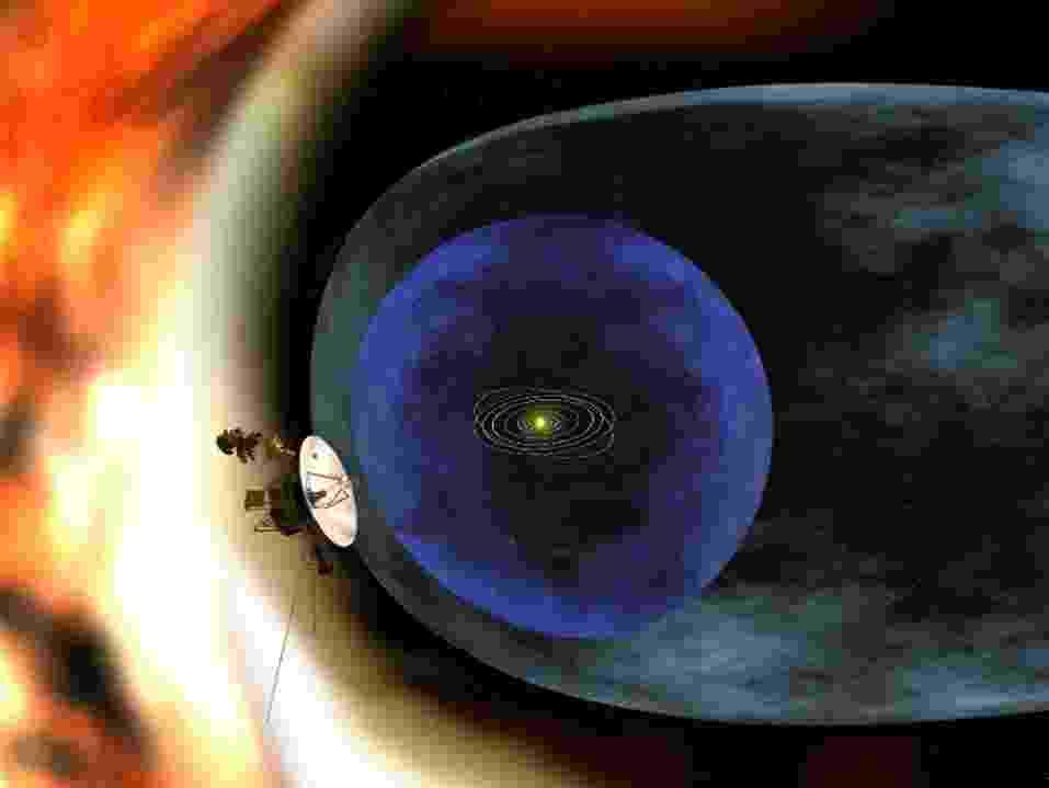 12.set.2013 - Concepção artística mostra a Voyager 1 se afastando dos limites da heliosfera, uma 'bolha magnética' criada pelo vento solar em torno do nosso sistema planetário. A Nasa (Agência Espacial Norte-Americana) anunciou que a nave atravessou a 'fronteira' do nosso Sistema Solar e entrou no espaço interestelar em 25 de agosto de 2012 - Nasa/JPL-Caltech