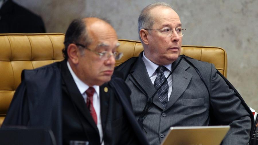 12.set.2013 - Imagem de arquivo dos ministros do STF (Supremo Tribunal Federal) Gilmar Mendes (à esq.) e Celso de Mello durante sessão plenária - Roberto Jayme/UOL