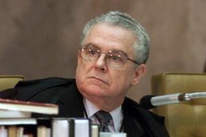 Sydney Sanches, ex-presidente do do STF (Supremo Tribunal Federal), disse que acompanharia o voto de Joaquim Barbosa caso participasse do julgamento do mensalão