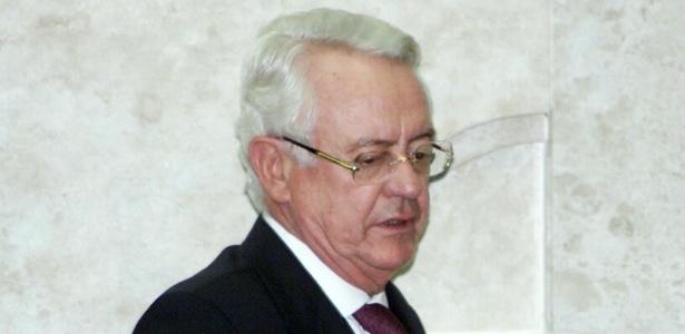 Ministro Carlos Velloso durante sessão do Supremo Tribunal Federal em 2003