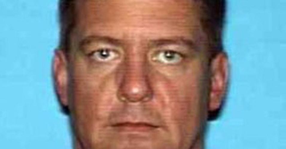 16.set.2013 - Dezembro de 2008: Vestido de Papai Noel, Bruce Jeffrey Pardo atirou contra os convidados de uma festa em Covina, Califórnia, matando nove pessoas, e em seguida cometeu suicídio