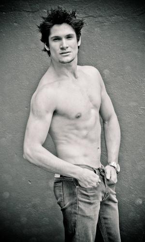 Estância Velha - Diego Pinheiro (20 anos, 1,84m)