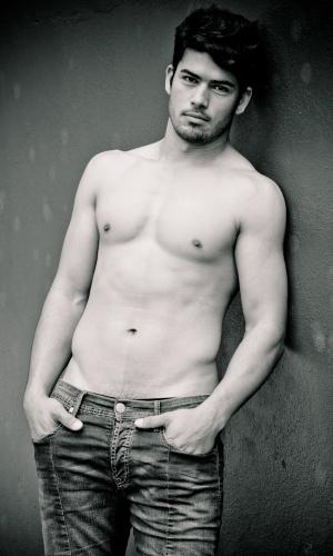 Nova Hartz - Jonatas Alves (23 anos, 1,83m)