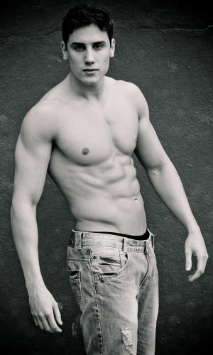 Osório - Jonatas Zanette (23 anos, 1,88m)