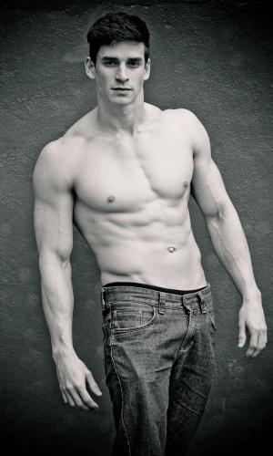 Tramandaí - Diego de Oliveira (22 anos, 1,83m)